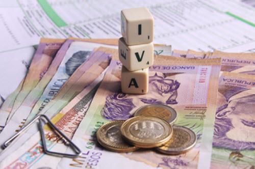 Propuestas para eliminar el 4 x 1.000 y aumentar el IVA siguen teniendo eco