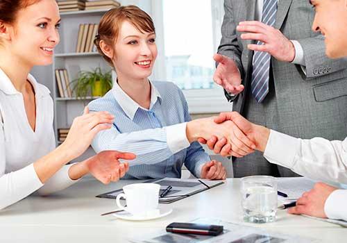 En las NIIF, ¿cuál es la diferencia entre operación conjunta y negocio conjunto?
