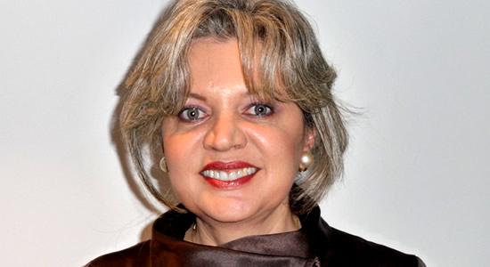 «Los Contadores no tienen una dimensión global y la adopción de las NIIF implica una nueva perspectiva conceptual en su desempeño profesional»: Sonia Barrientos
