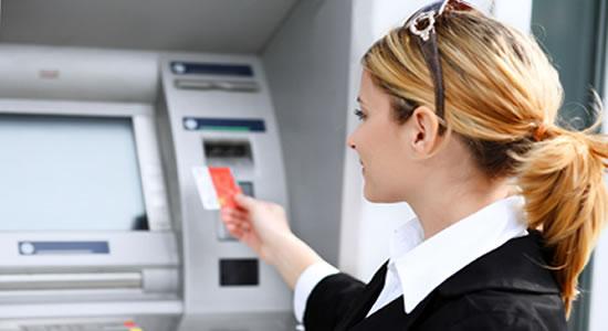 Aprenda a reducir los costos bancarios