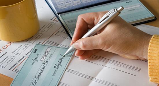 Cierre contable: saldos de caja, cuentas bancarias y cheques girados no cobrados