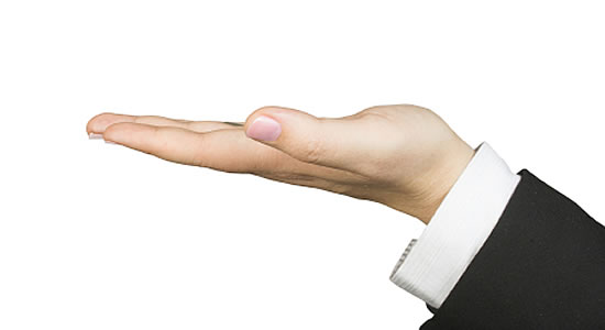 Morosidad no es impedimento para ejercer la administración de lo que le pertenece al propietario