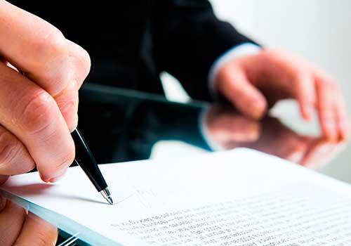 Firma de contrato con una o más empresas
