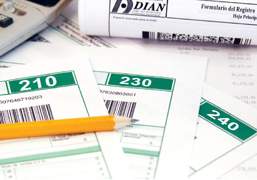 Formulario para declarar renta de un empleado que fallece después de finalizar el año fiscal