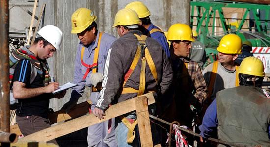 Solidaridad por trabajadores del contratista y el beneficiario de la obra