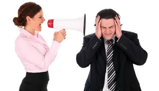 Acoso laboral puede acarrear multa entre 2 y 10 salarios mínimos