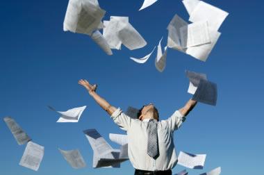 Gobierno reglamenta IVA y retención de IVA en venta de desechos de papel y cartón