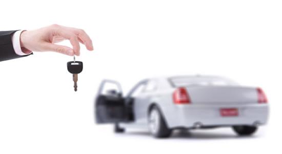 Contrato de compraventa: obligación de entrega de vehículo
