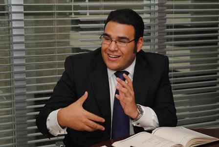 """""""Para el año 2014, se sugiere un reajuste del salario mínimo no mayor al 3.7%"""": Anif"""